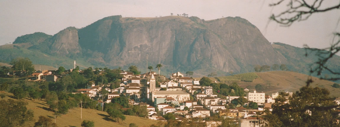 Pedralva - MG. Ao fundo serra do Pedrão